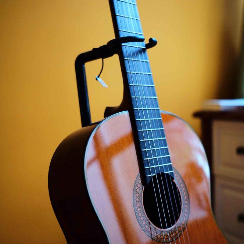 ギタースタンドの画像